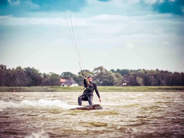 Kiten Ostsee begleitetes Kiten